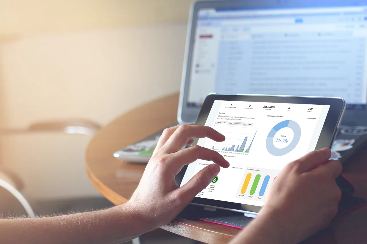 EcoOnline Learning Manager työpaikan riskien ja tapaturmien vähentämiseksi saatavana nyt viidellä eri kielellä. Lue lisää ja tutustu palveluun maksutta!